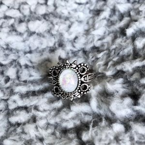 Silver And Stone Vintage Looking Ring Size 9